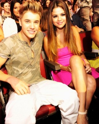 Are Justin Bieber and Selena Gomez Planning Matching Tattoos?