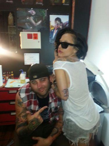 lady-gaga-mouse-tattoo-artist