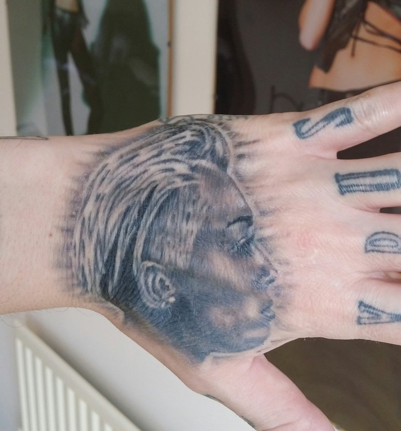 miley cyrus portrait tattoo