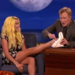 kesha c foot tattoo