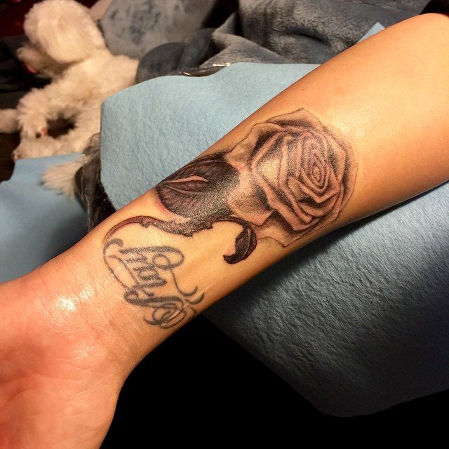 Demi Lovato Covers Up Lip Print Tattoo With New Rose Ink