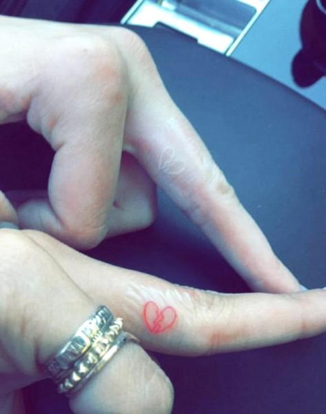 kendall jenner hailey baldwin broken heart tattoos